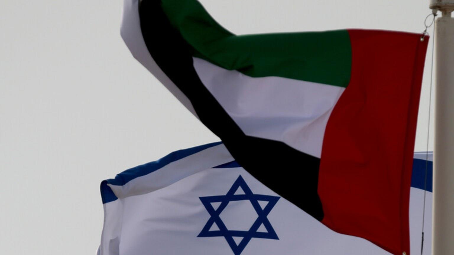 وزير خارجية الإمارات يناقش مع نظيره الإسرائيلي في اتصال هاتفي