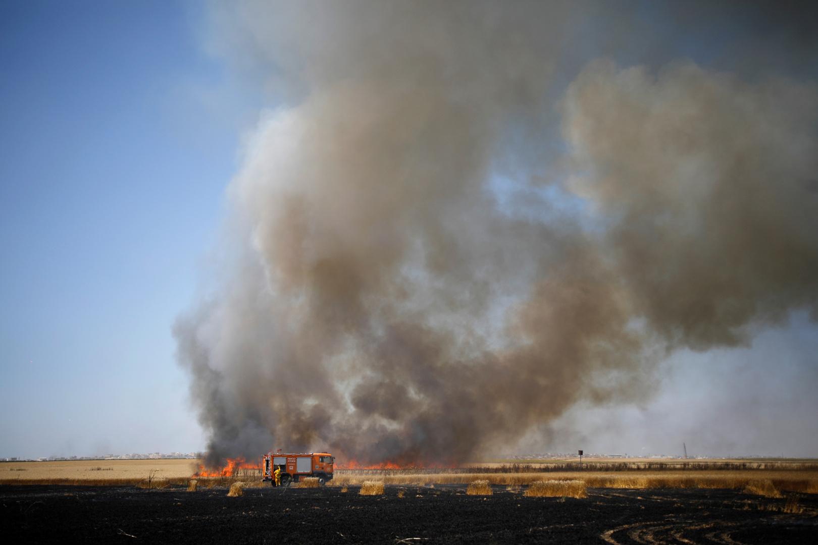اندلاع 10 حرائق بغلاف غزة بينها حريقان في المجلس الإقليمي الإسرائيلي