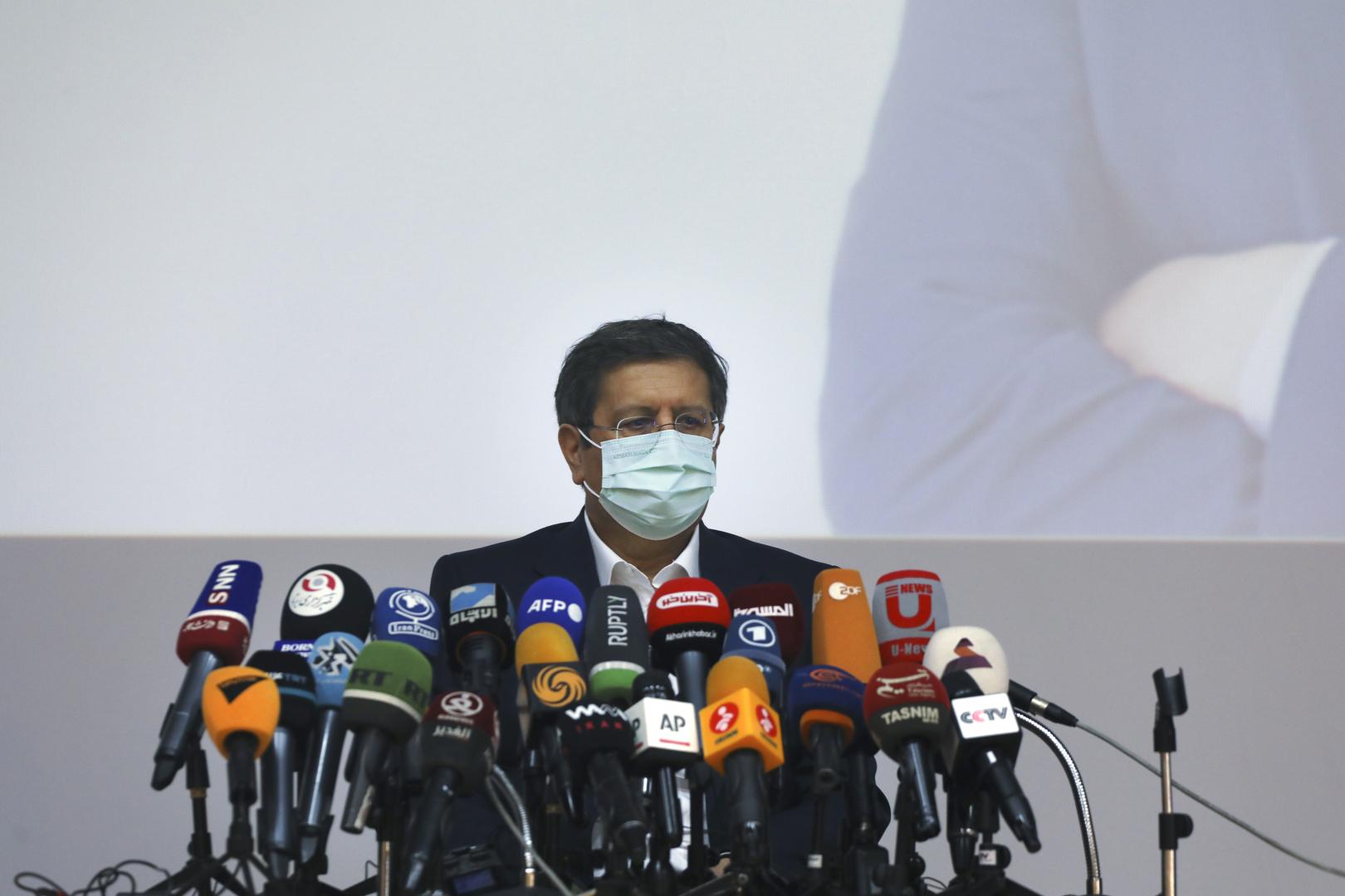 مرشح رئاسي إيراني يدعو لتحسين العلاقات مع الغرب