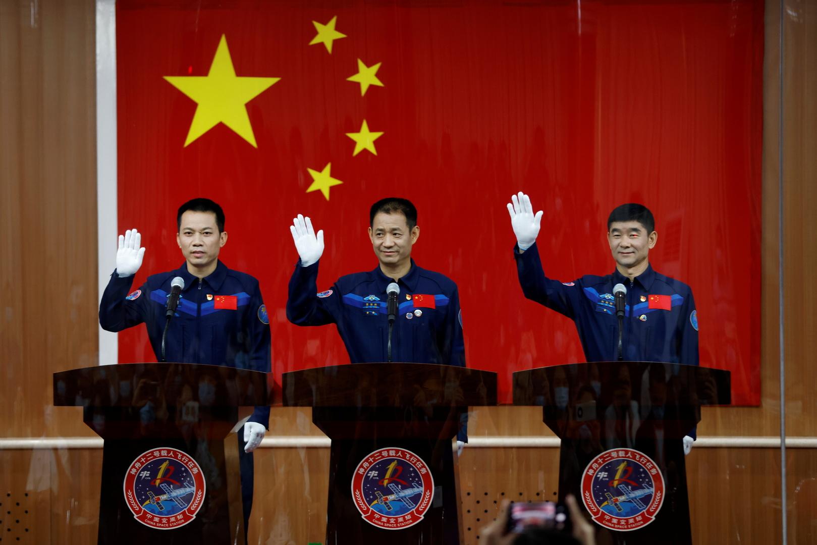 في أول مهمة مأهولة منذ 5 سنوات.. الصين ترسل 3 رواد إلى الفضاء