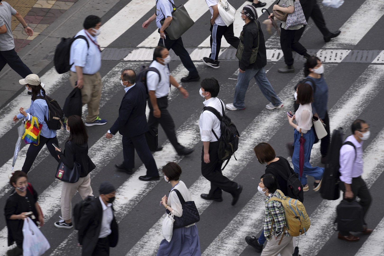اليابان تتطلع لتخفيف قيود كورونا في طوكيو