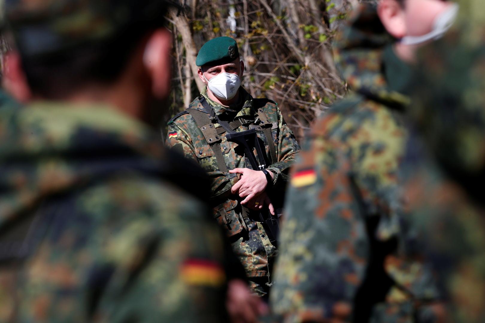 فصل جنود ألمانيين من الخدمة بعد غنائهم