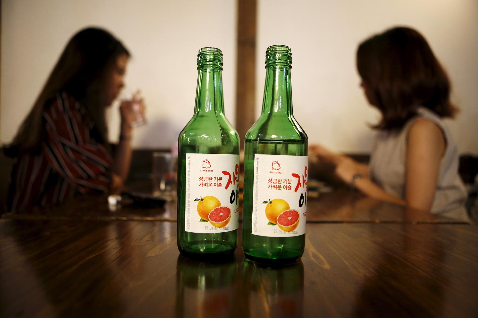 منظمة الصحة العالمية تقترح منع النساء من شرب الخمر