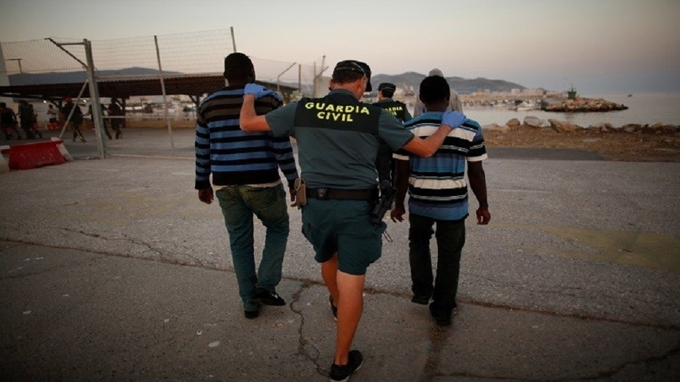 بعد شهر من الأزمة الحدودية.. حوالي 3 آلاف المهاجرين ما زالوا في جيب سبتة الإسباني