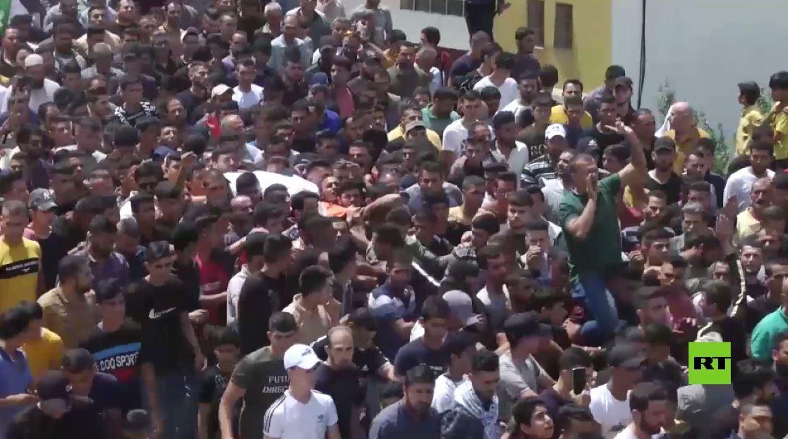 فلسطين.. المئات يشيعون فتى قتل برصاص الجيش الإسرائيلي