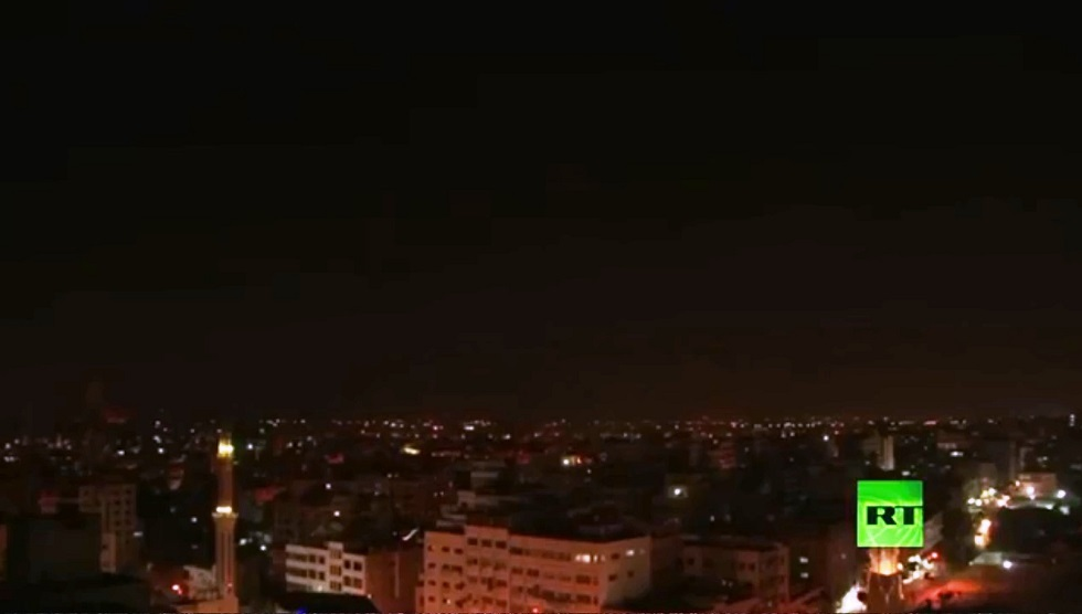 مراسل RT: أنباء عن إسقاط الفصائل الفلسطينية طائرة إسرائيلية مسيرة