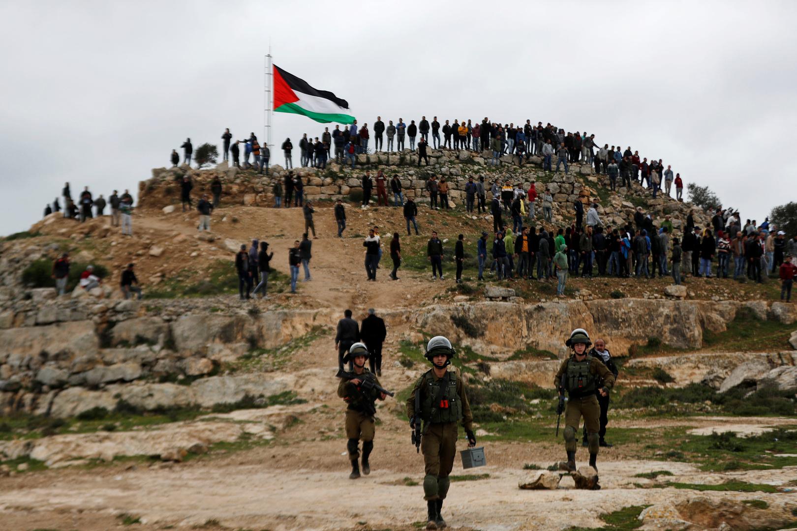 القوات الإسرائيلية تغلق كافة الطرق المؤدية إلى بلدة بيتا في نابلس