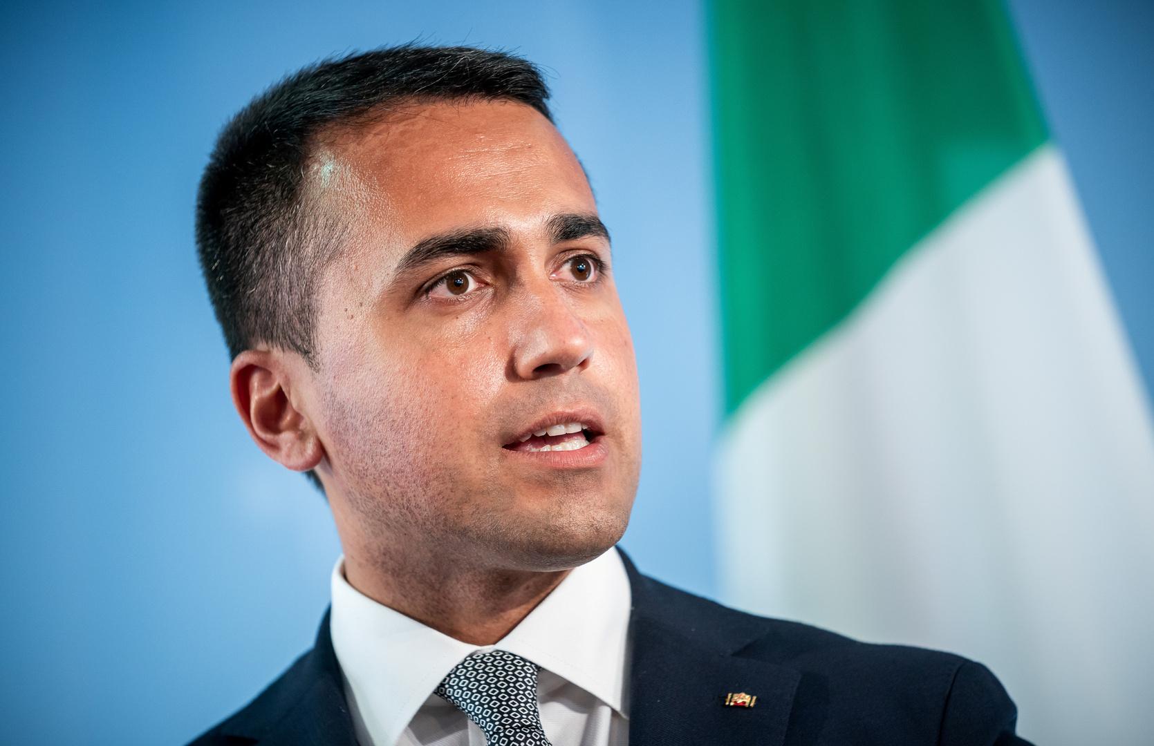 دي مايو يلتقي صالح ويؤكد أهمية اعتماد القاعدة الدستورية والميزانية الموحدة