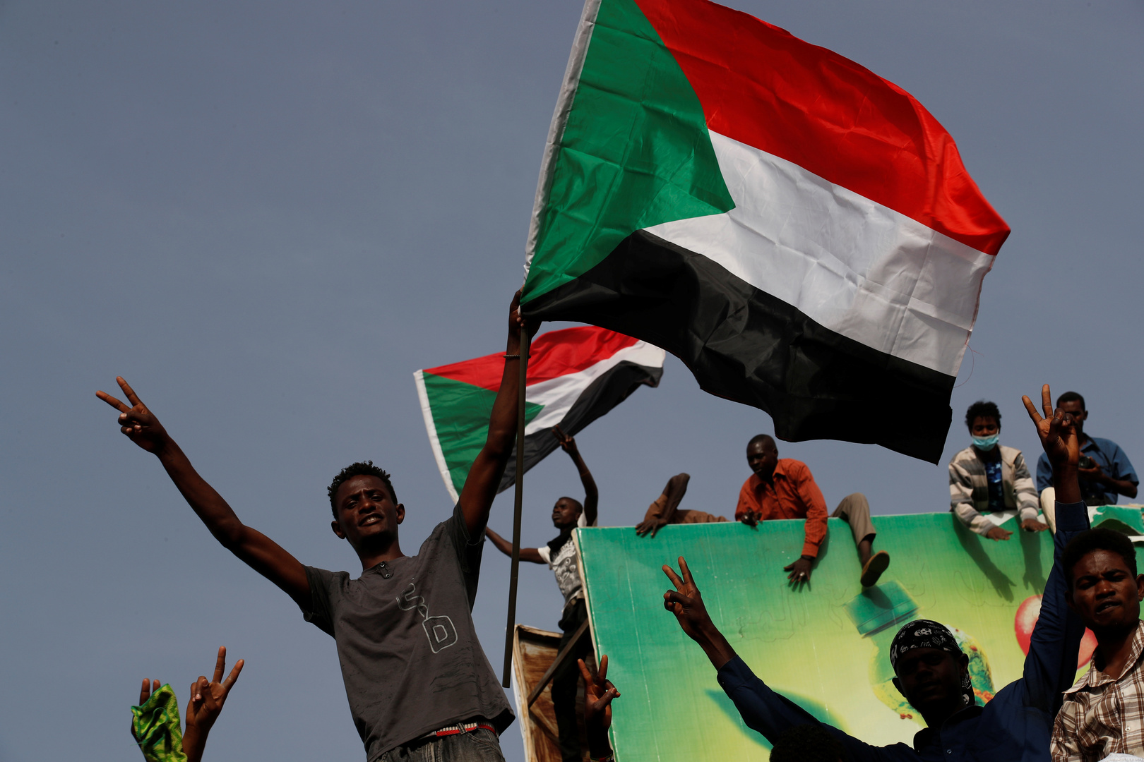 السودان.. قرار بتشكيل قوة مشتركة لحسم الانفلات الأمني