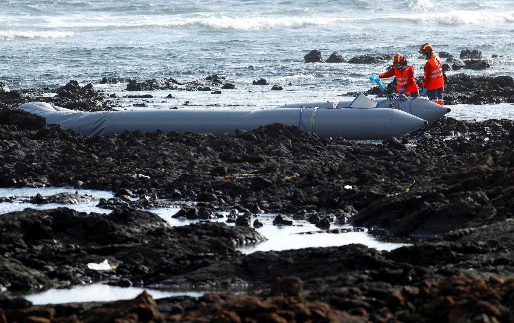 مصرع 3 أشخاص بانقلاب قارب مهاجرين قرب جزر كناري الإسبانية