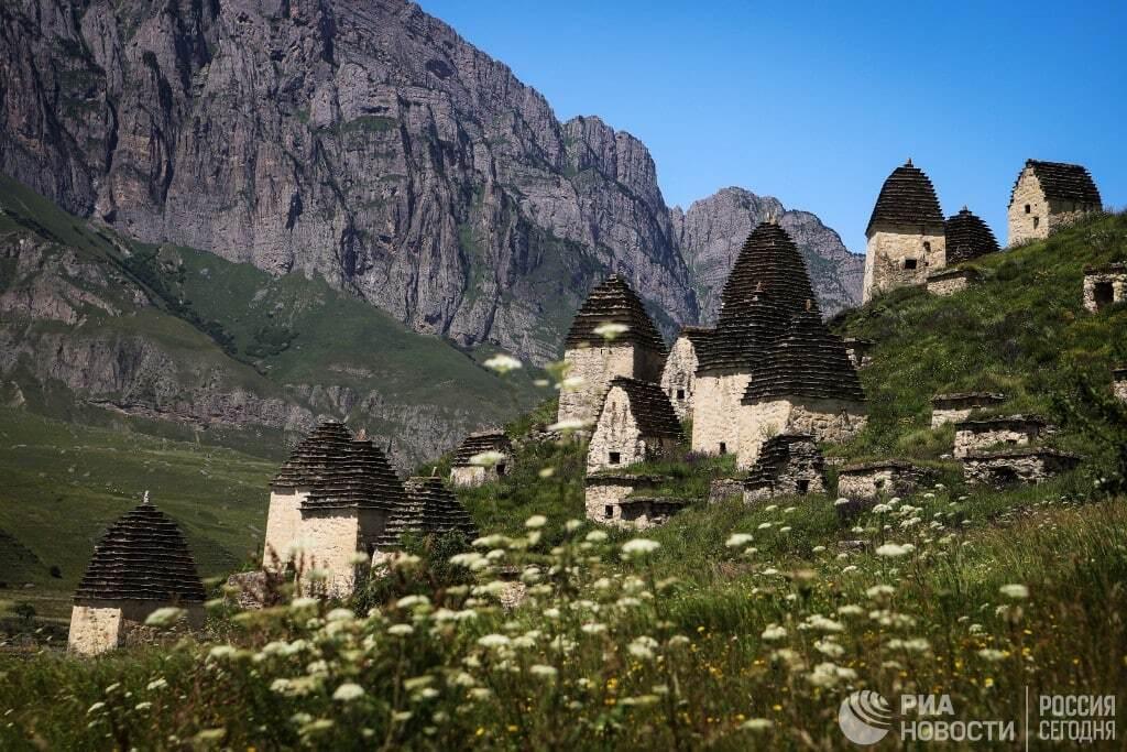 في أعالي جبال القوقاز الروسية.. افتتاح فرع لمصرف روسي (صور)