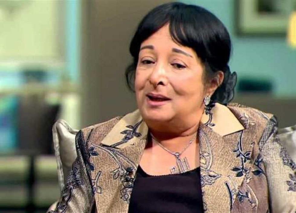 الفنانة المصرية سميرة عبد العزيز