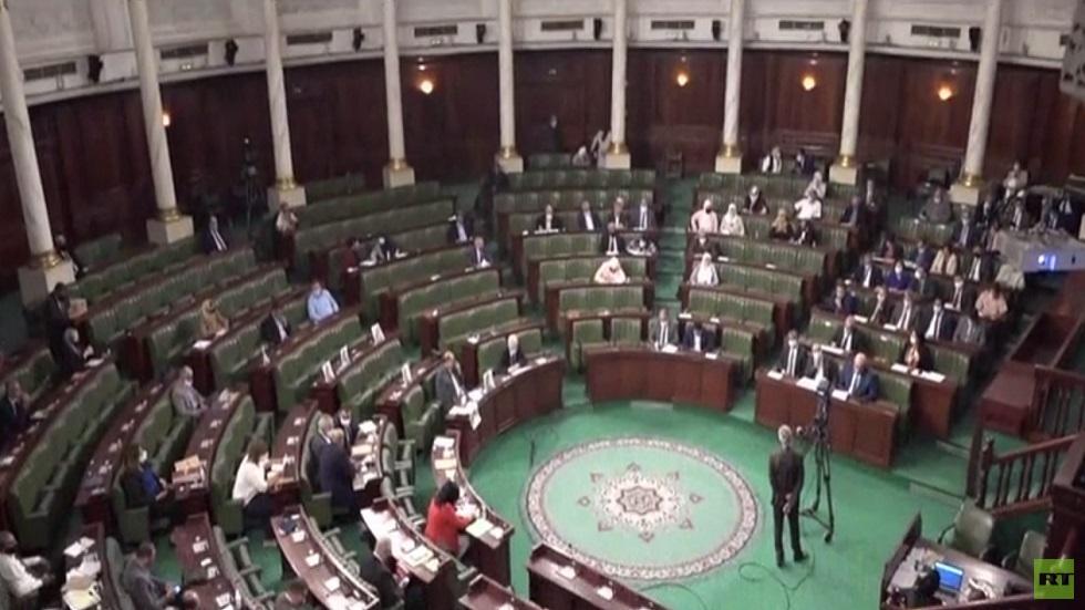 تبعات تطورات الأوضاع السياسية في تونس