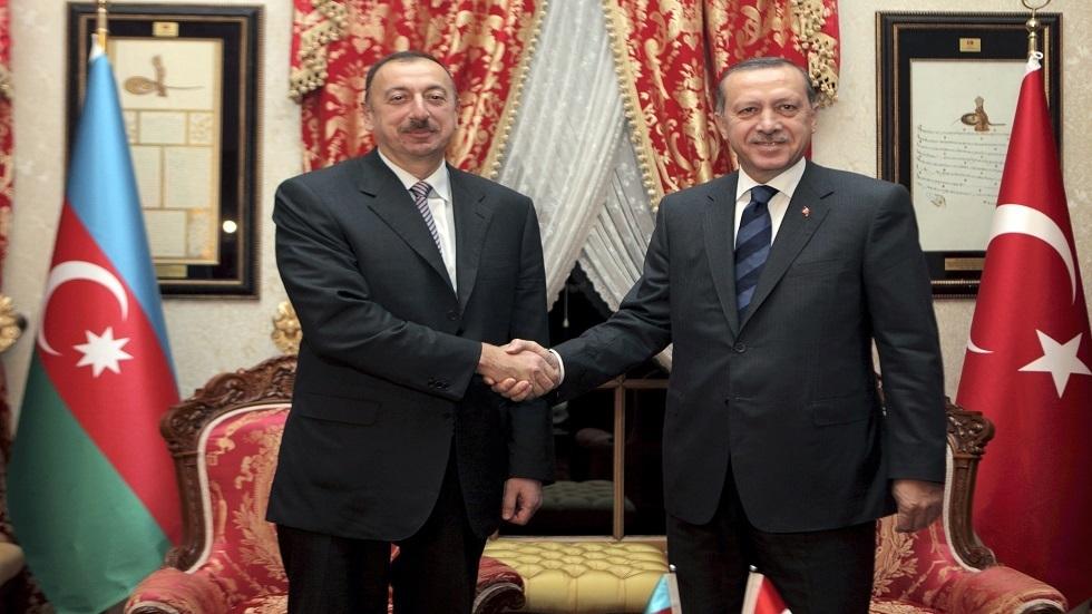 الرئيس التركي رجب طيب أردوغان، ونظيره الأذربيجاني إلهام علييف