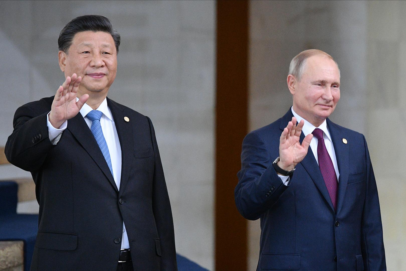 الرئيسان الروسي فلاديمير بوتين والصيني شي جين بينغ
