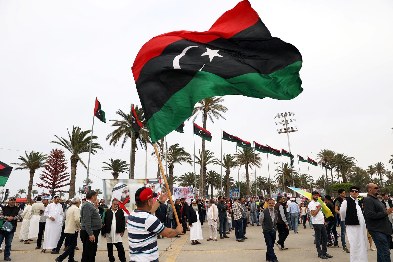 ليبيا.. قرار بمنع سفر 6 مسؤولين من الحكومة المؤقتة السابقة