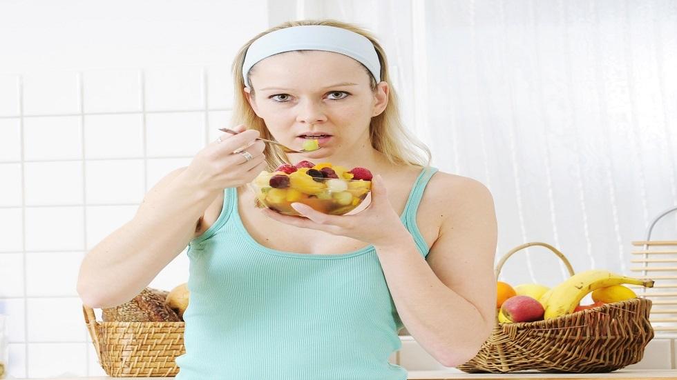 هل يمكن الاكتفاء بتناول الفواكه فقط في الجو الحار؟