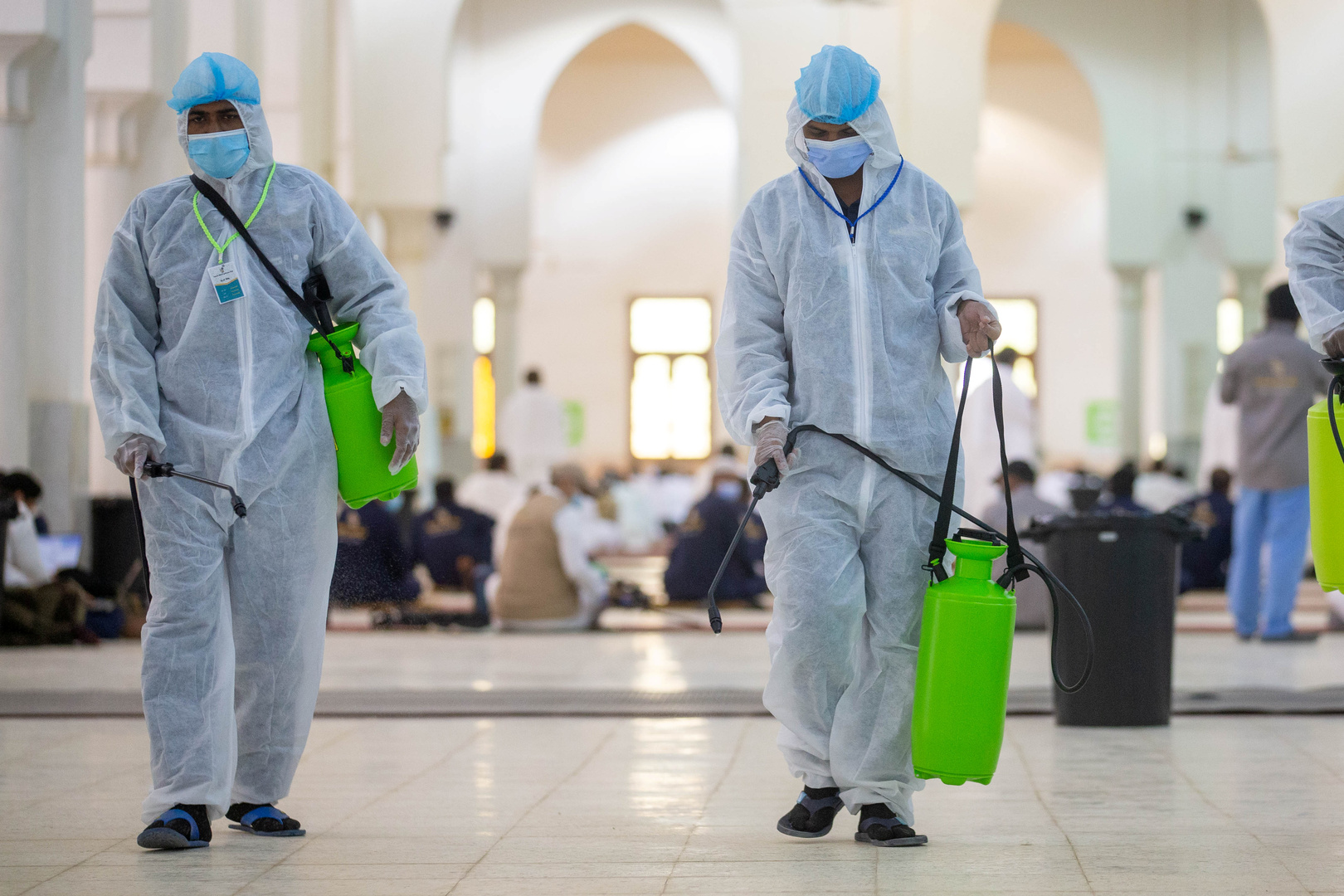 السعودية.. إصابات كورونا اليومية تتخطى الـ1470 وتسجيل 12 وفاة