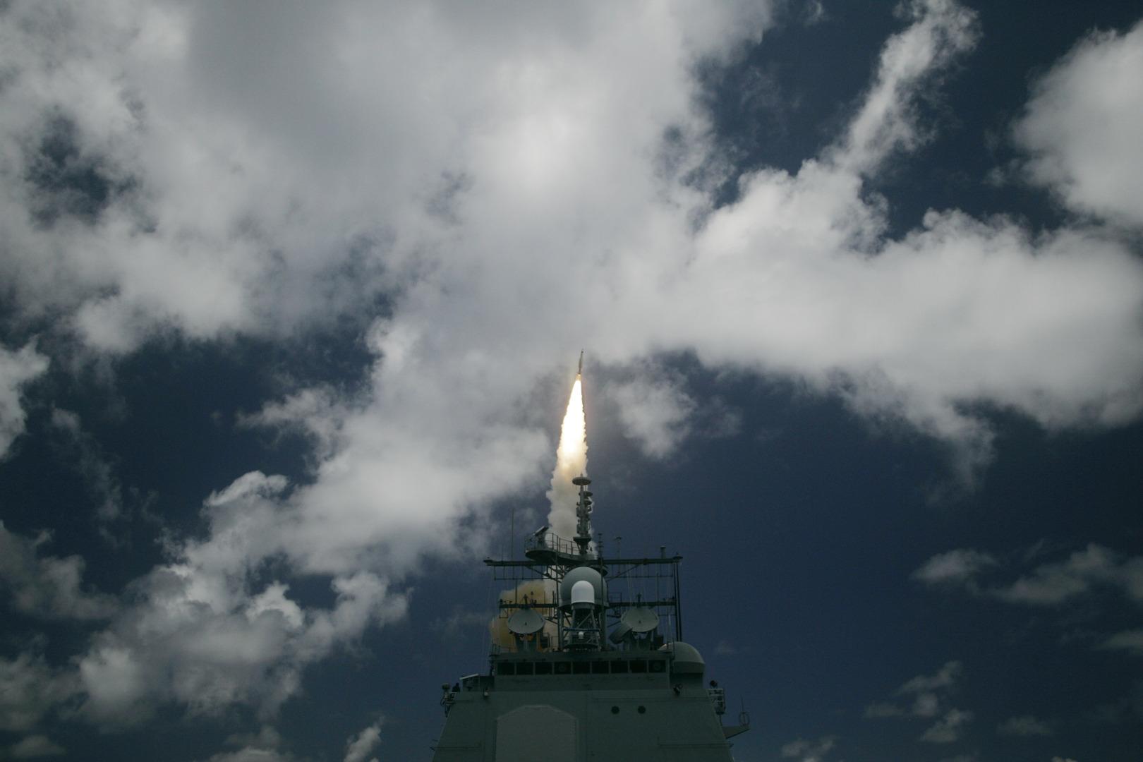 الولايات المتحدة تبدأ في تركيب أنظمة الدفاع الصاروخي