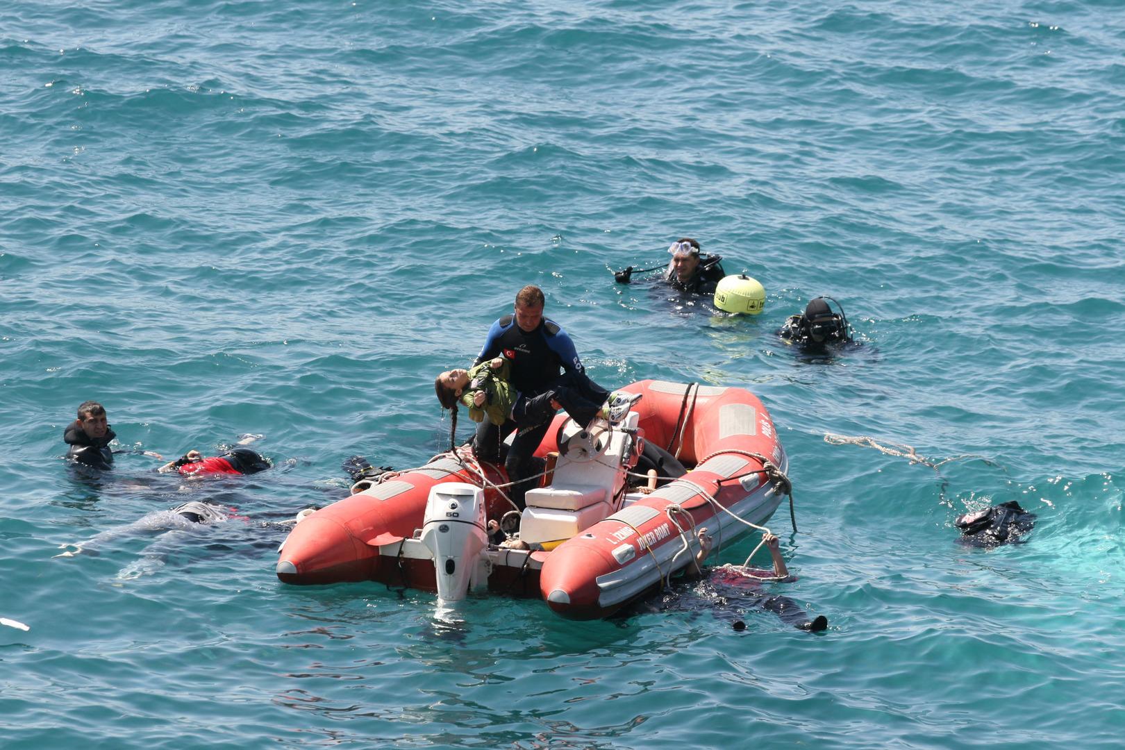إيطاليا.. وقف قارب صيد يحمل 89 مهاجرا