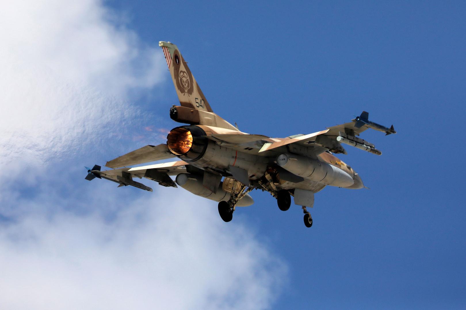 """مقاتلة إسرائيلية من طراز """"إف-16"""""""