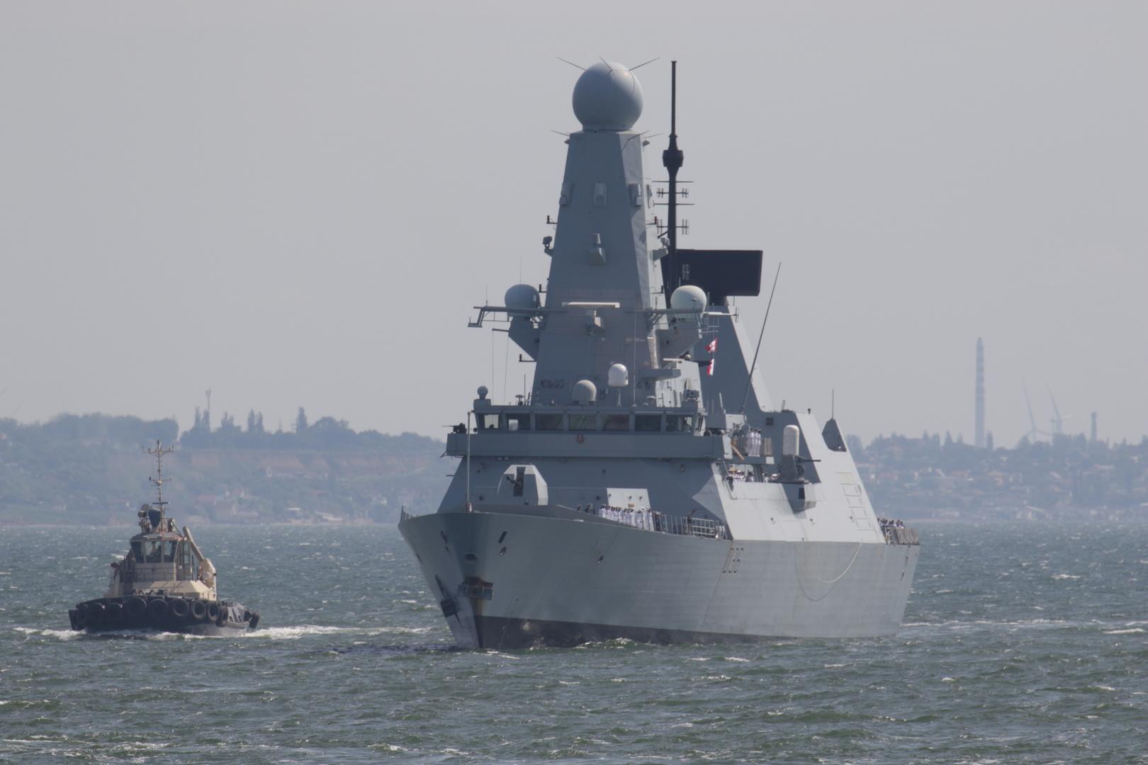 قبطان Defender يكشف تفاصيل حادثة خرق حدود روسيا تفند رواية الحكومة البريطانية