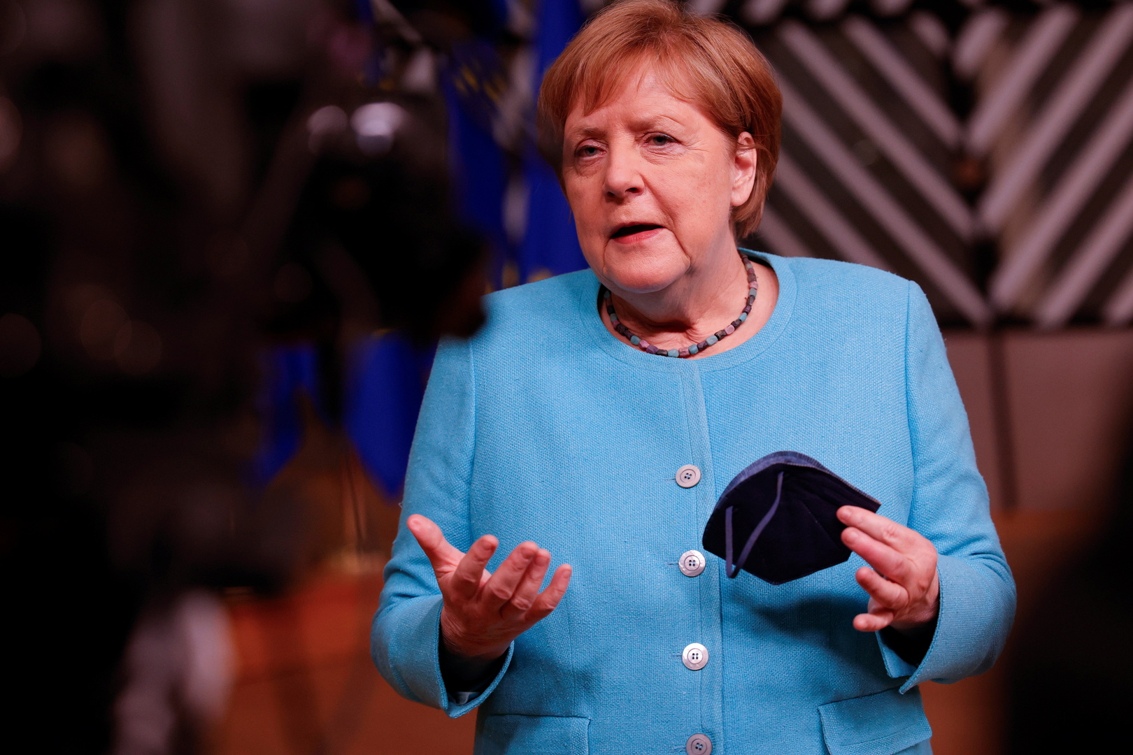 ميركل تدعو القادة الأوروبيين إلى إظهار الشجاعة بشأن روسيا