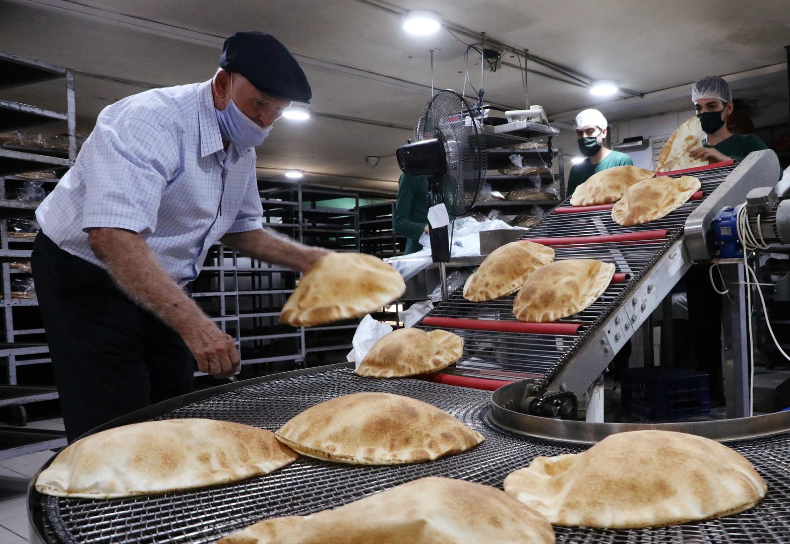 للمرة السادسة هذا العام.. الحكومة اللبنانية ترفع سعر الخبز
