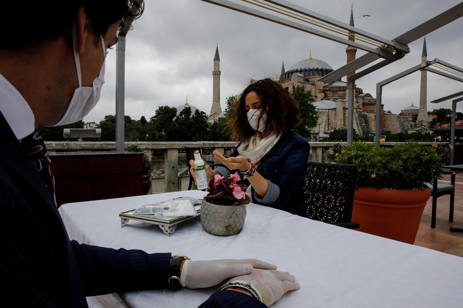 بسبب كورونا.. عدد الوافدين الأجانب إلى تركيا أقل من رُبع المسجل في 2019