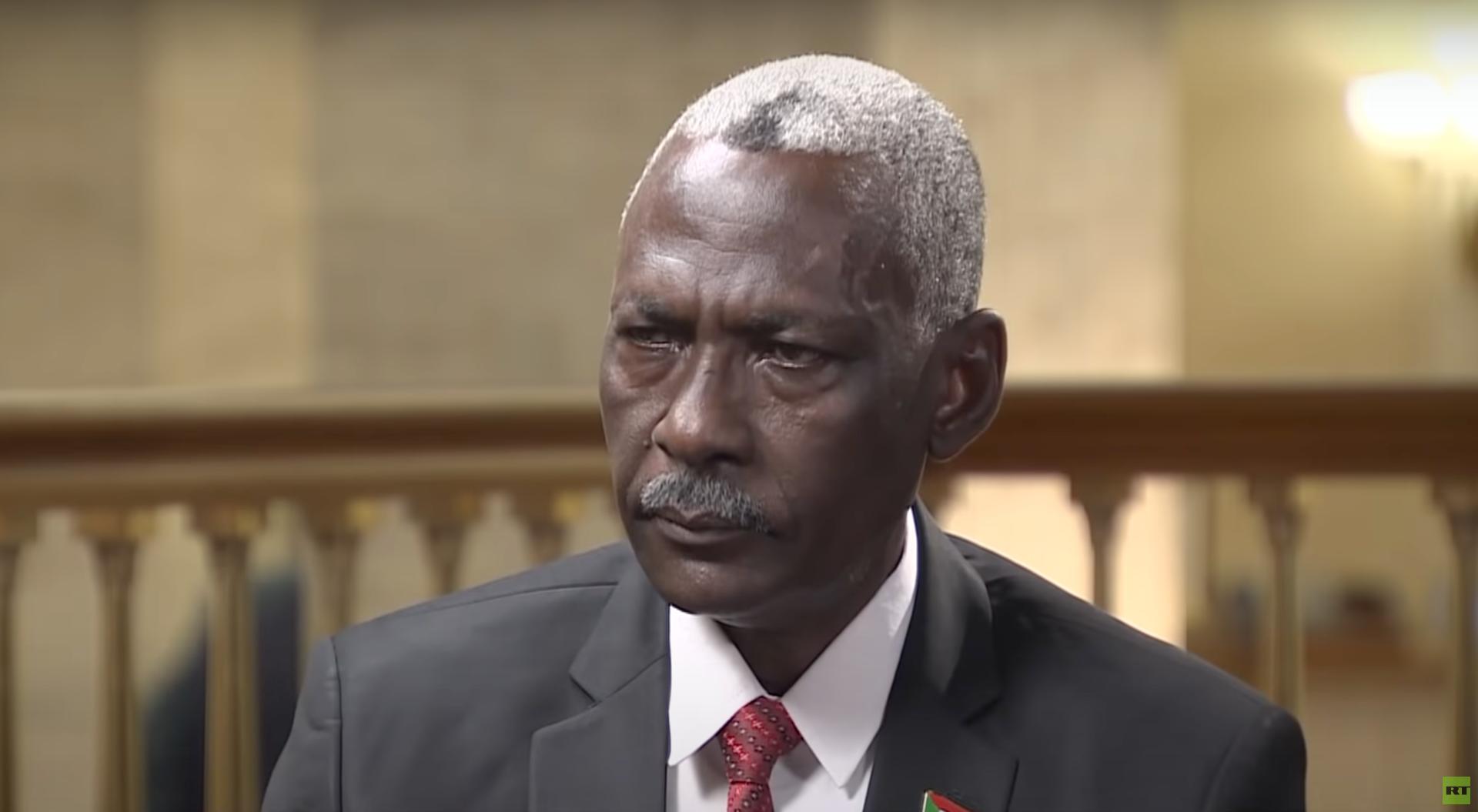وزير الدفاع السوداني يكشف لـRT سبب مراجعة الخرطوم اتفاقية إنشاء مركز الإمداد البحري الروسي