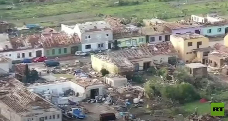 لقطات جوية لأضرار جسيمة إثر إعصار عنيف ضرب جمهورية التشيك