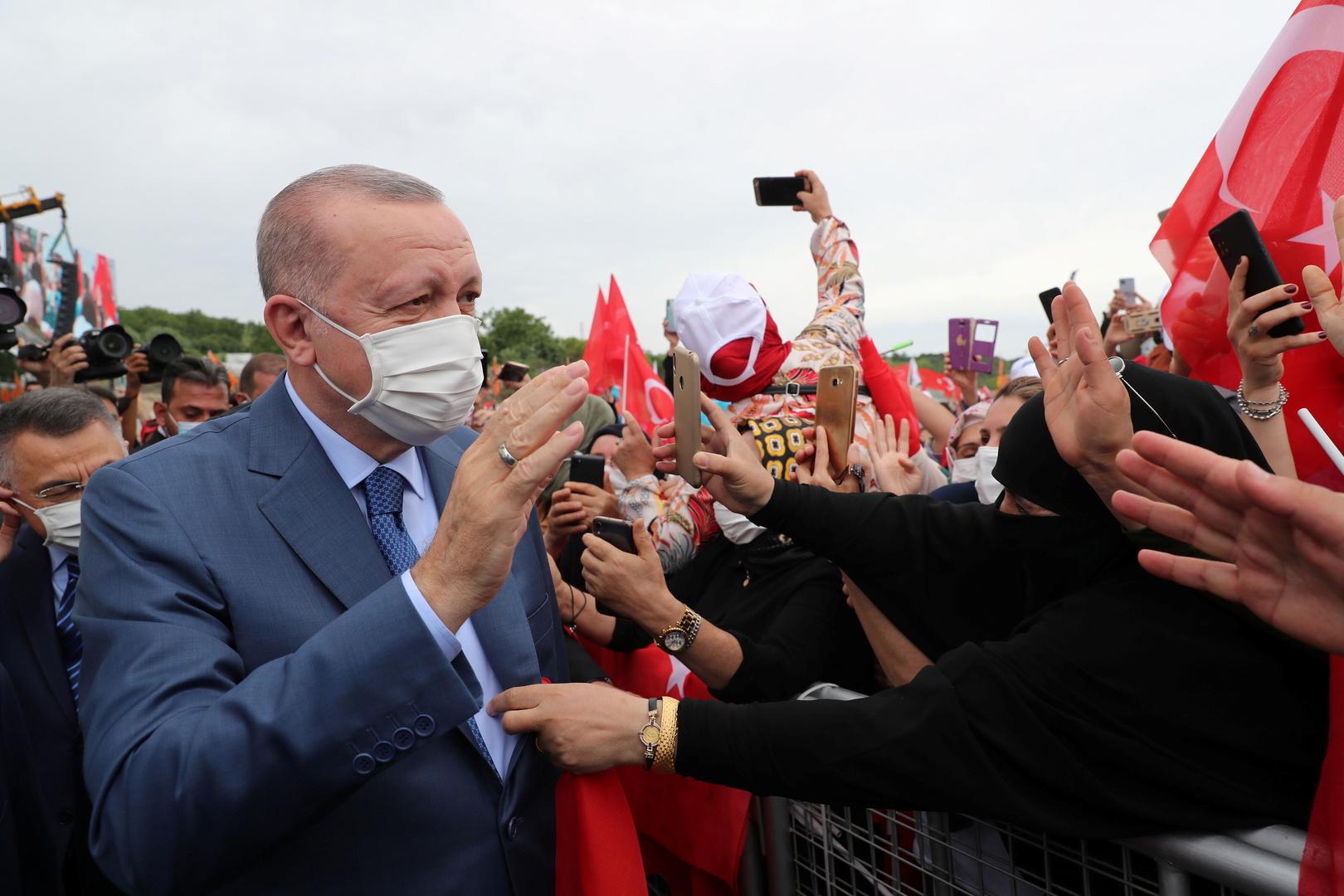 روسيا وتركيا: بناء قناة اسطنبول لن يخص معايير تواجد السفن العسكرية الأجنبية في البحر الأسود
