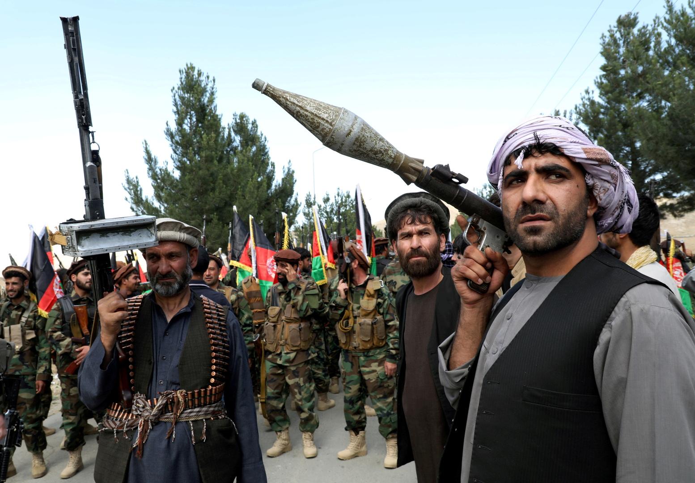 نزوح آلاف العائلات بسبب المعارك في محيط قندوز شمال أفغانستان
