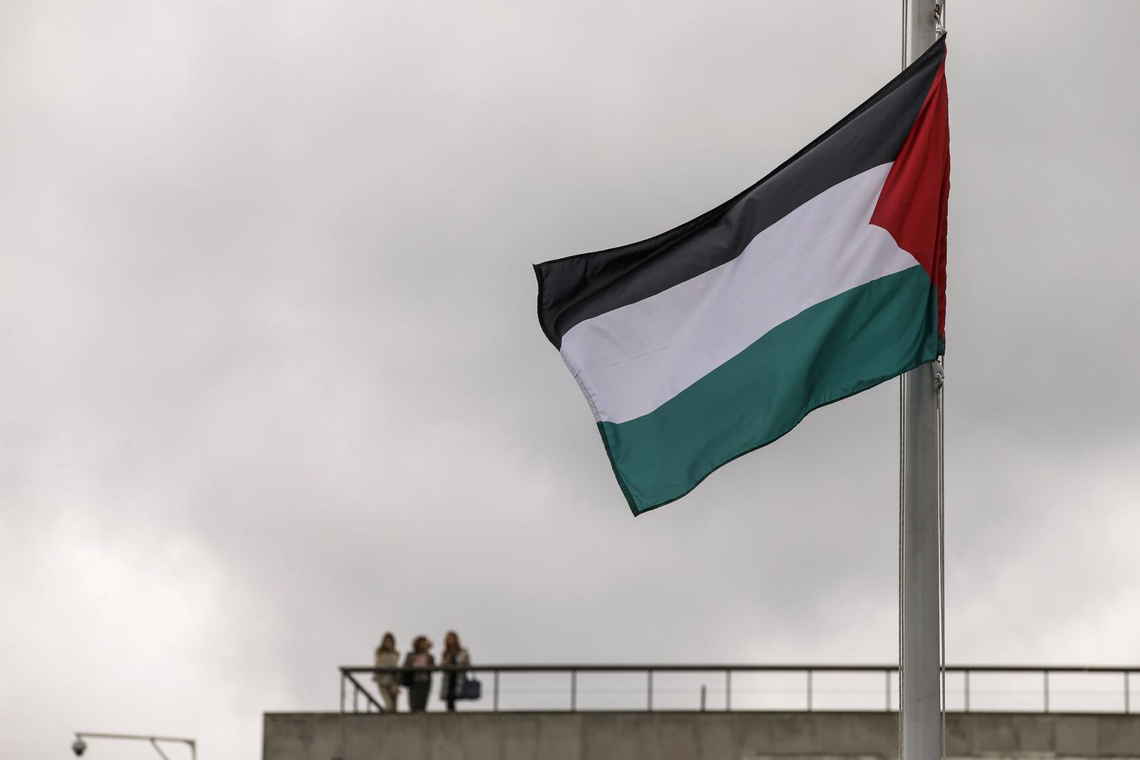 الخارجية الفلسطينية: رفع العلم الفلسطيني على بلديتي كليفتون وباترسون الأمريكيتين