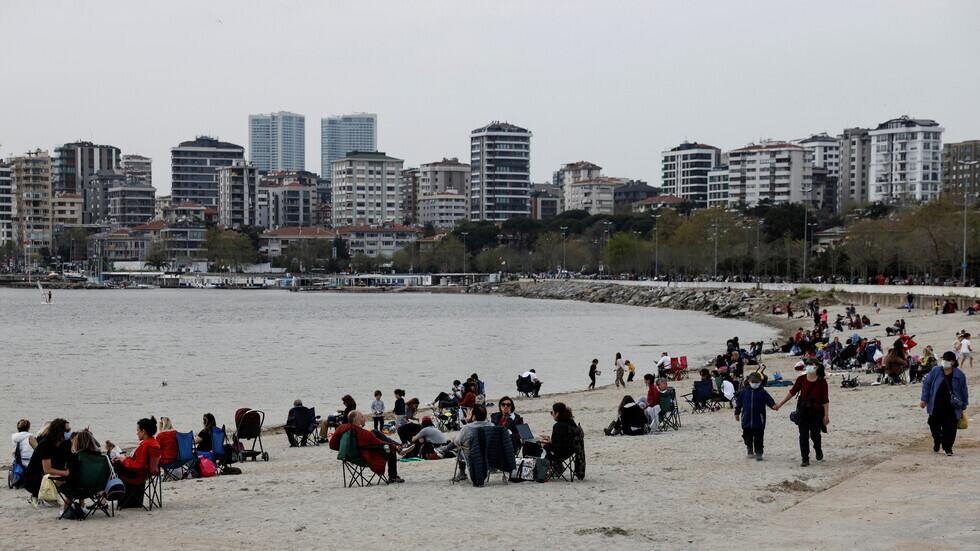 تركيا ترصد 4883 إصابة و52 وفاة جديدة بفيروس كورونا