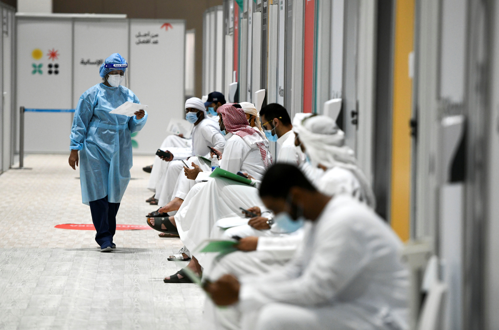 الإمارات: تطعيم نحو 92% من السكان المؤهلين بلقاحات ضد كورونا