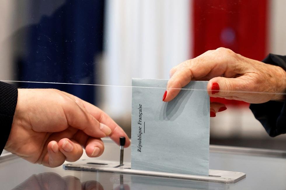 فرنسا..اليمين يظفر بعدة مناطق في الانتخابات الإقليمية واليمين المتطرف يتراجع