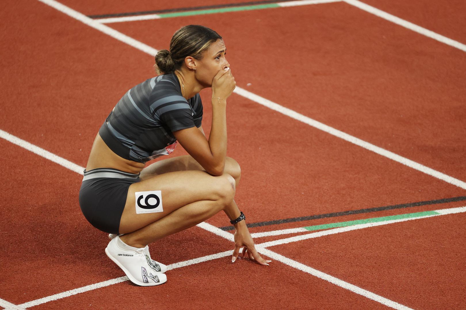 ماكلوجلين تحطم الرقم العالمي في سباق 400 متر حواجز (فيديو)