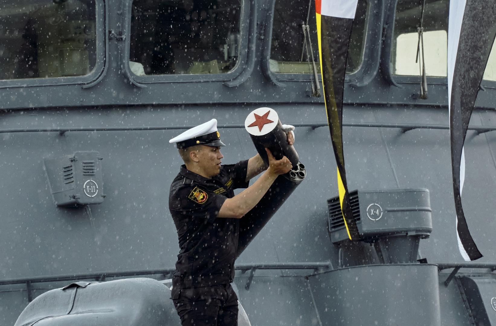 روسيا تجري مناورات في البحر المتوسط بالتزامن مع انطلاق مناورات الناتو في البحر الأسود