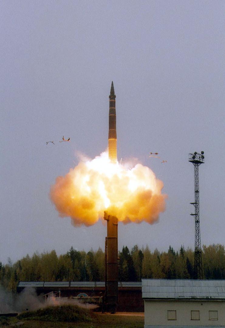 روسيا تعلن نجاح اختبار صاروخ جديد عابر للقارات