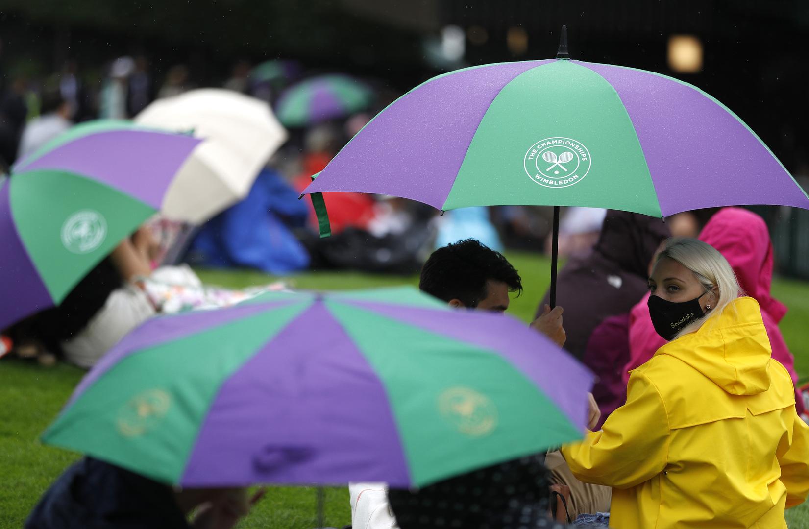 كالعادة المطر يؤجل انطلاق بطولة ويمبلدون