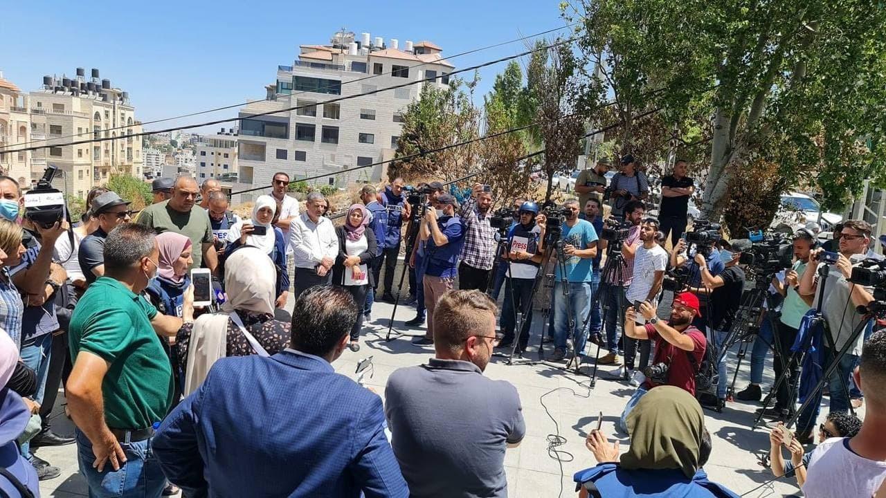صحفيون فلسطينيون يطالبون بـ
