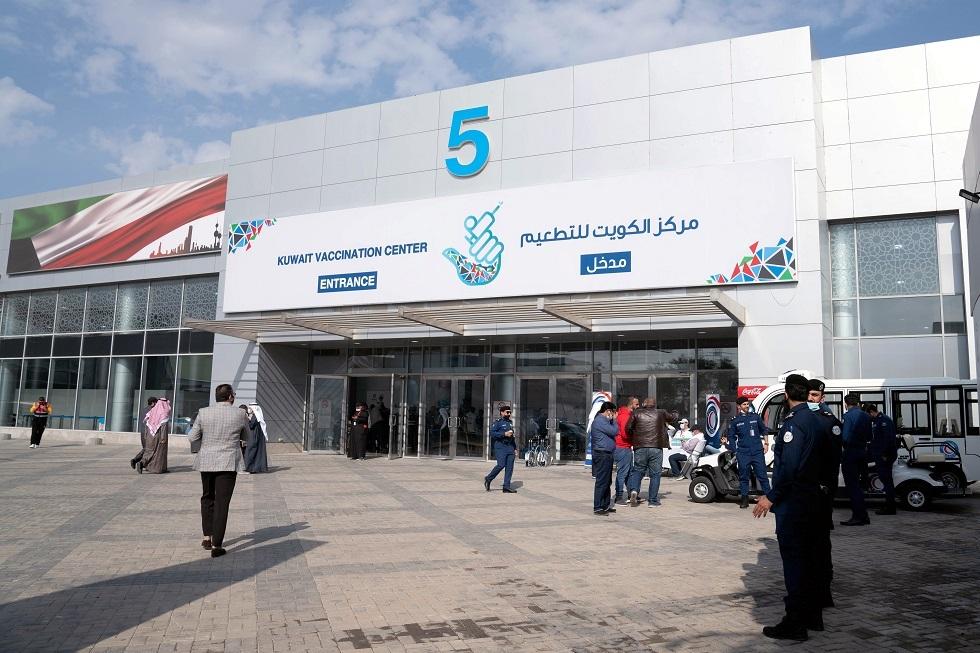 الكويت تعلن عن قرار جديد بشأن عبور المنافذ البرية والبحرية