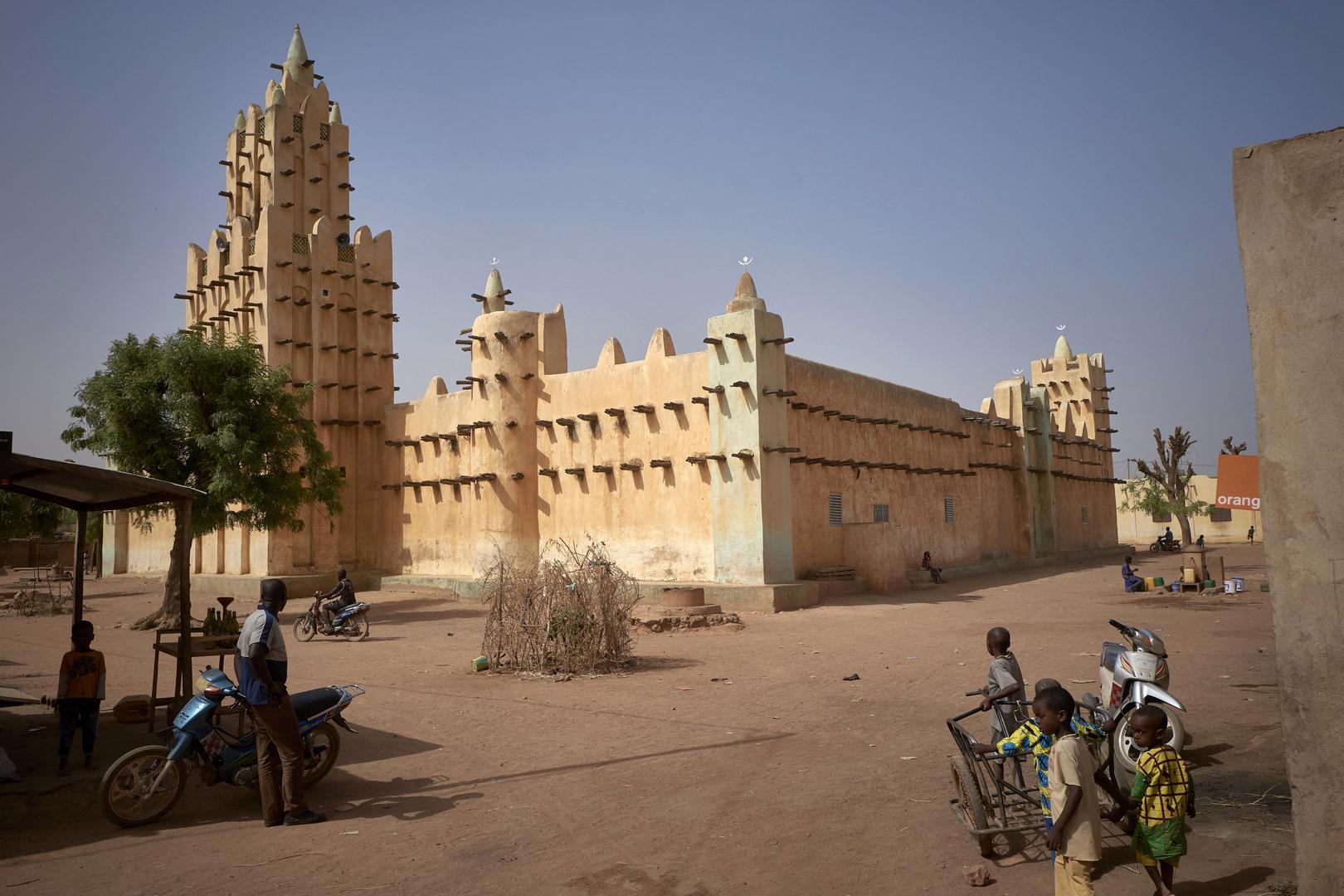 مقتل 6 مدنيين برصاص مسلحين في وسط مالي