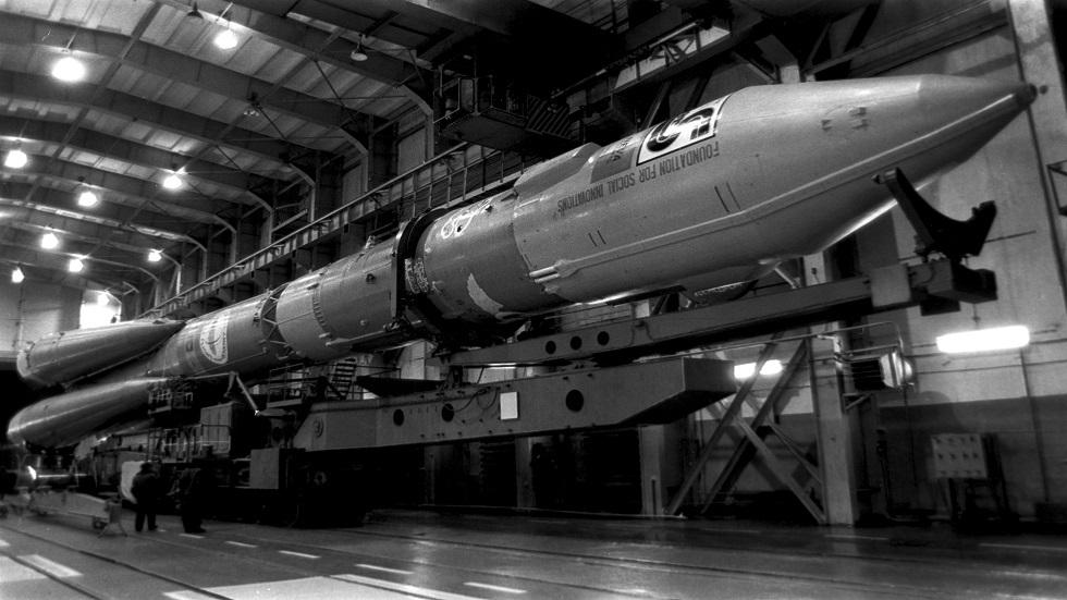 تفاصيل إطلاق الدفاع الروسية لأحدث نوع من الصواريخ العابرة للقارات