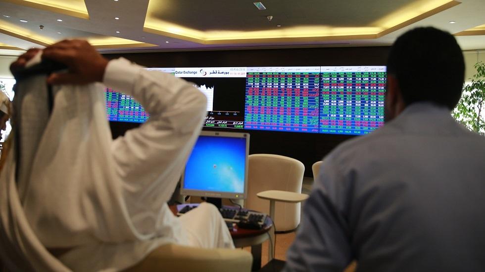 أسهم دبي تسجل أدنى مستوى في 3 أسابيع بسبب مخاوف متعلقة بالجائحة