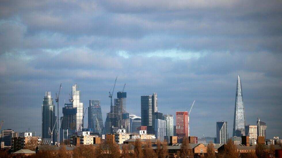 بريطانيا ترصد 20479 إصابة و23 وفاة جديدة بكورونا