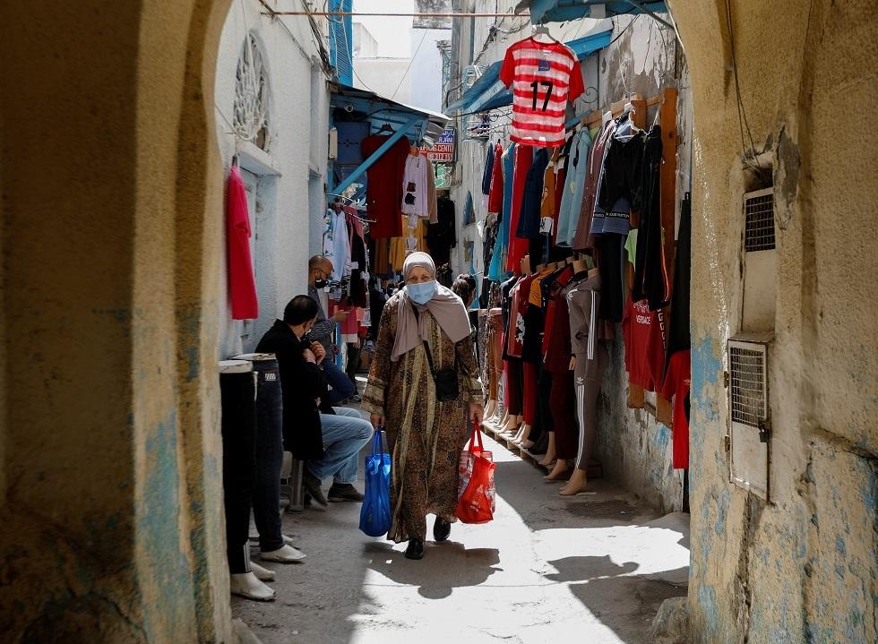 تونس تمدد ساعات الحظر بعد تسجيل ارتفاع قياسي في الإصابات اليومية بكورونا