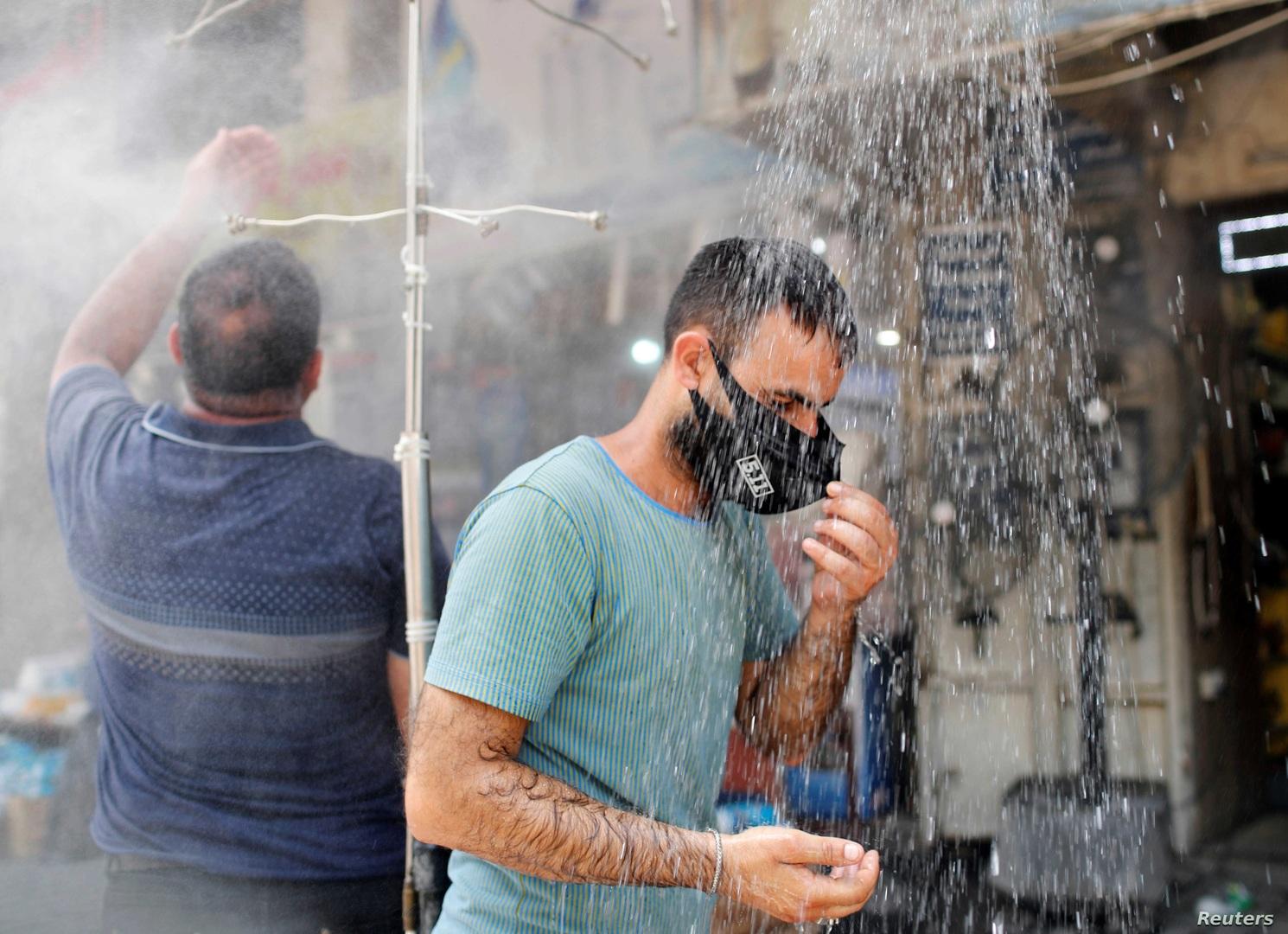 ستصل إلى 50 درجة مئوية.. ارتفاع درجات الحرارة يفاقم معاناة العراقيين