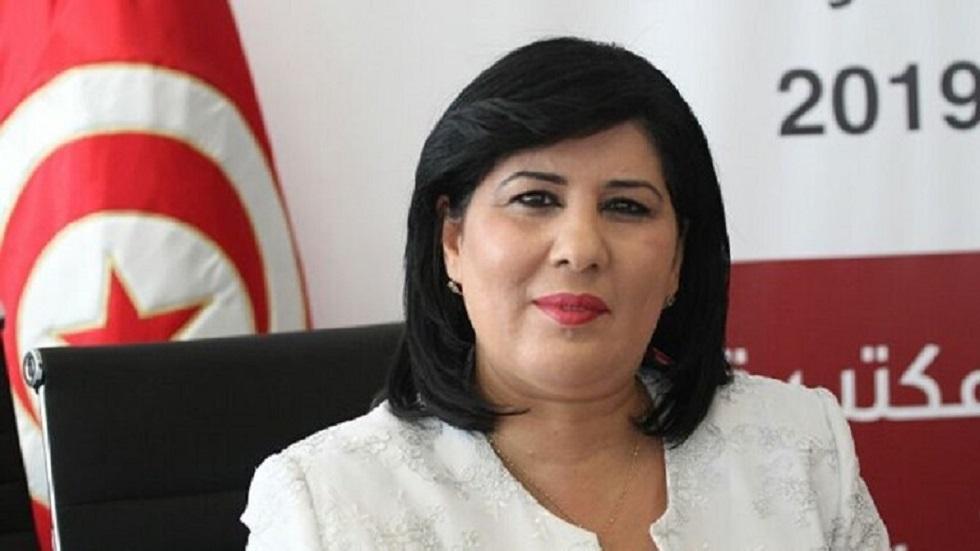 نائب تونسي يعتدي على عبير موسي باللكمات داخل البرلمان (فيديو)